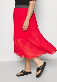 Simply Be - PLISSE MIDI SKIRT - A-line skirt - oxy red - 4