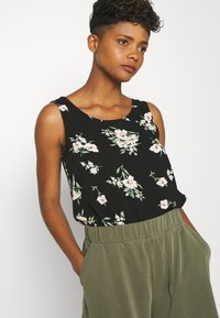 Vero Moda - VMSIMPLY EASY TANK - Blouse - black - 3