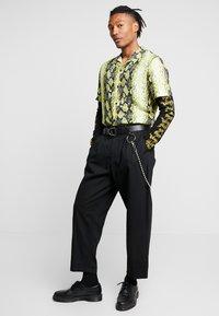 Jaded London - YELLOW SNAKESKIN SHIRT - Shirt - yellow - 1