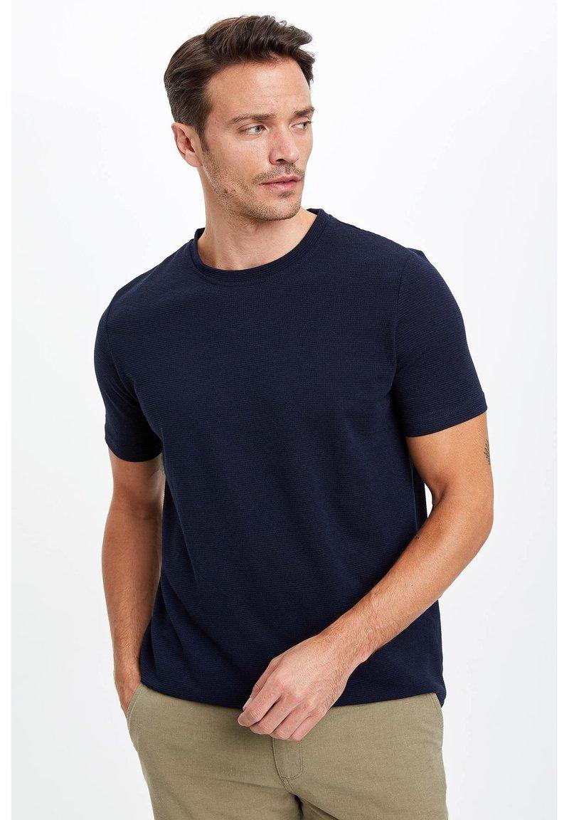 DeFacto - Basic T-shirt - indigo