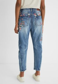 Desigual - Relaxed fit jeans - blue - 2