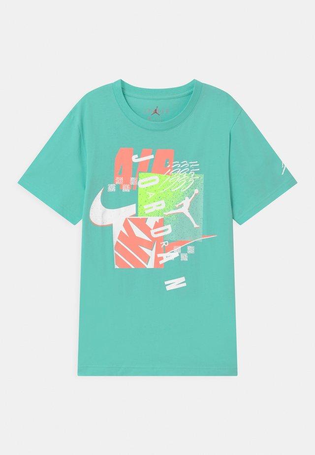 POST UP UNISEX - T-shirt print - tropical twist