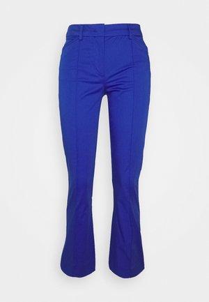 AMATI - Pantalones - lichtblau