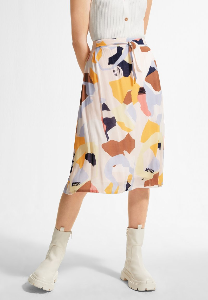comma casual identity - A-line skirt - blush abstract geo