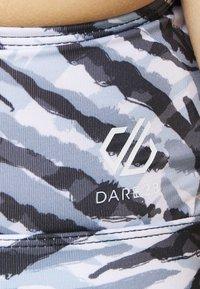 Dare 2B - MANTRA BRA - Reggiseno sportivo con sostegno medio - black/white - 5