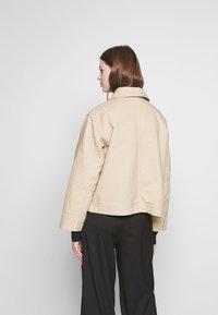 Weekday - EVE - Lehká bunda - medium beige - 2