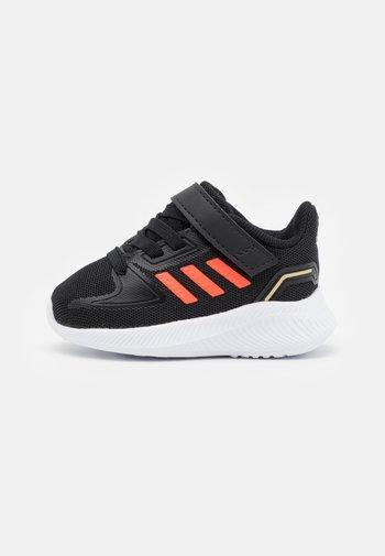 RUNFALCON 2.0 UNISEX - Scarpe running neutre - core black/solar red/footwear white