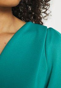 Closet - CLOSET V-NECK PLEATED SLEEVE DRESS - Jersey dress - turquoise - 4