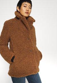 Banana Republic - COLLAR JACKET - Winter coat - toasted marshmallow - 4