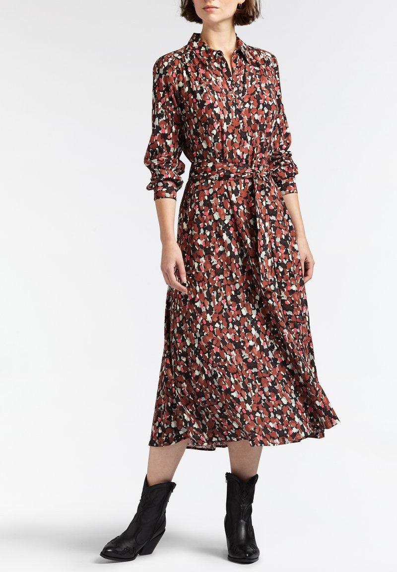 Sandwich - Shirt dress - braun