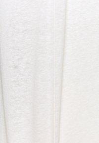 Anna Field - T-SHIRT-LINEN BLEND - Triko spotiskem - off-white - 2