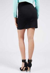 Guess - Mini skirt - schwarz - 2