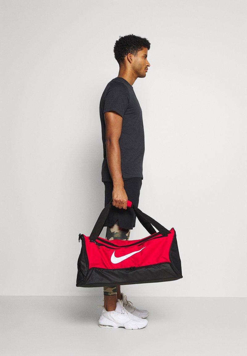 Nike Performance - 60L UNISEX - Treningsbag - university red/black/white