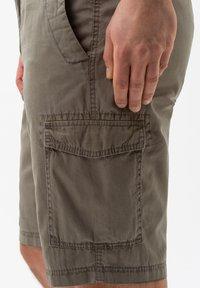 BRAX - STYLE BRAZIL - Shorts - khaki - 3