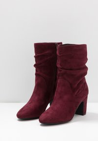 Bullboxer - Classic ankle boots - wine - 4