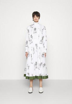 HUNTING PRINT PLEATED SHIRT DRESS - Day dress - white