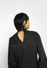 Closet - CLOSET HIGH NECK BLOUSE - Blouse - black - 5
