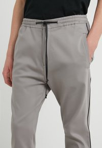 DRYKORN - JEGER - Trousers - grey - 4