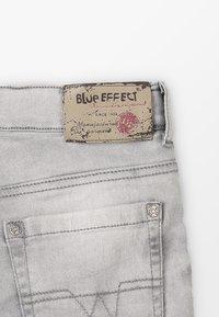 Blue Effect - BOYS BASIC - Denim shorts - grey medium - 5