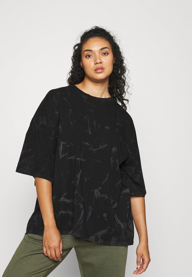 Missguided Plus - TIE DYE - Print T-shirt - black