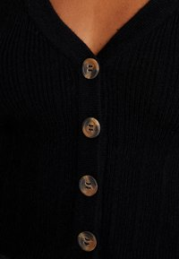 Nly by Nelly - CROPPED CARDIGAN - Cardigan - black - 4