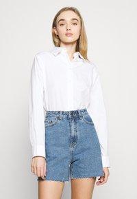 Object - OBJPENNY - Shorts di jeans - light blue denim - 3