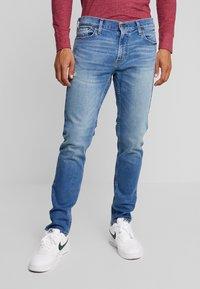 Hollister Co. - Slim fit jeans - bright medium - 0