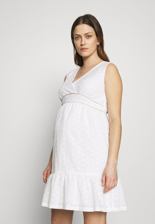DRESS WITHOUT SLEEVES WRAP NECKLINE - Denní šaty - white
