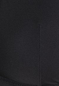 NA-KD - SOFT SEAMLESS - Bikini top - black - 2
