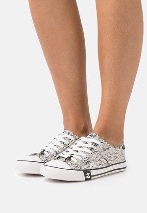 EASY - Sneakersy niskie - white
