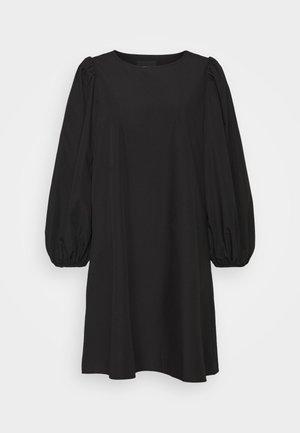 PCTURA DRESS - Denní šaty - black