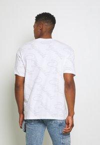 Jack & Jones - JORLOGGS TEE CREW NECK  - T-shirts print - white - 2