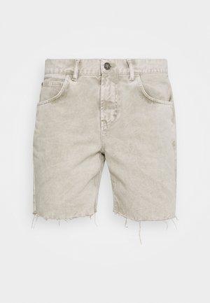 BERMUDA BAGGY - Jeans Shorts - denim