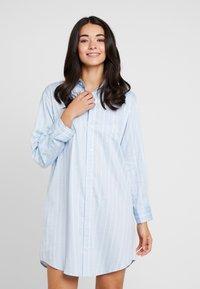 Lauren Ralph Lauren - CLASSIC HIS SHIRT SLEEPSHIRT - Noční košile - blue - 0