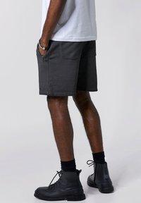 Tigha - Shorts - vintage grey - 2