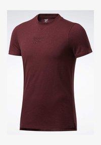 Reebok - TRAINING ESSENTIALS MÉLANGE T-SHIRT - Basic T-shirt - red - 5