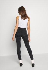 Miss Sixty - BETTIE CROPPED - Jeans Skinny Fit - black - 2