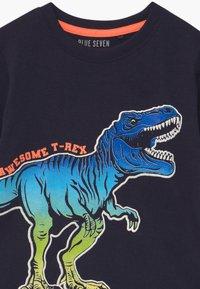 Blue Seven - SMALL BOYS T-REX DINOSAUR - T-shirt print - nachtblau - 2