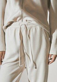 Massimo Dutti - Tracksuit bottoms - beige - 3
