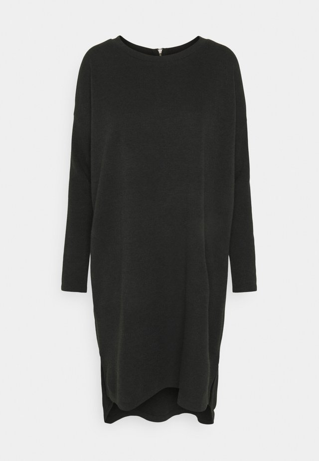 VMAMAIMARCO O NECK DRESS - Robe pull - black