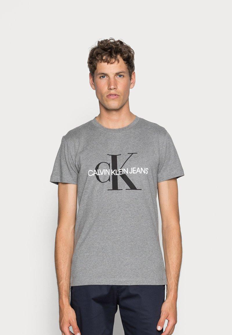 Calvin Klein Jeans - ICONIC MONOGRAM SLIM TEE - T-shirt med print - heather grey