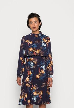 ONLNOVA LUX SMOCK DRESS - Kjole - night sky/fall devon
