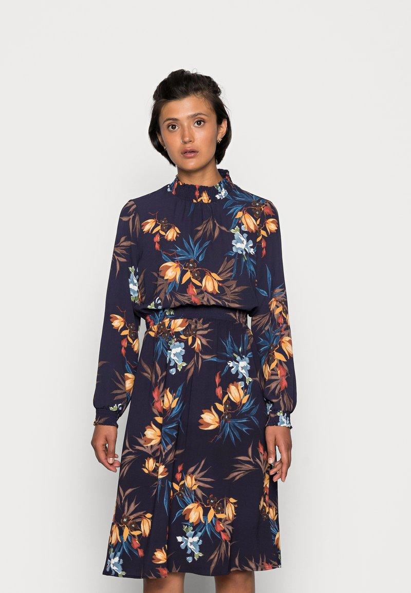 ONLY - ONLNOVA LUX SMOCK DRESS - Kjole - night sky/fall devon