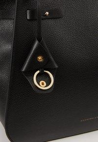 Coccinelle - DIDI - Handbag - noir - 6