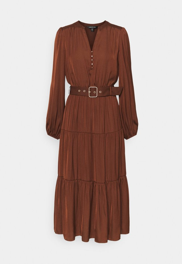 MANDY LONG SLEEVE TIERED MIDI DRESS - Vestito estivo - chocolate