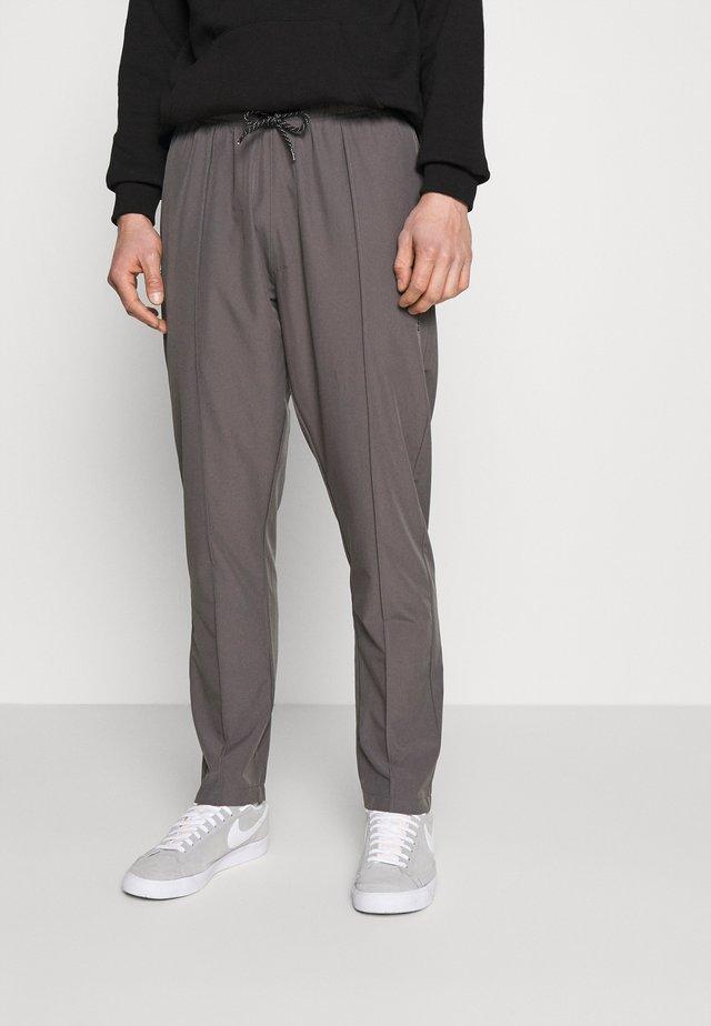 HANSI SPORT PANT - Pantaloni - grey