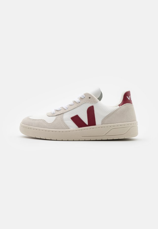 V-10 - Sneakers - white/marsala