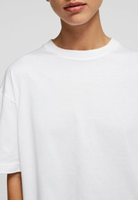KARL LAGERFELD - Basic T-shirt - white - 4
