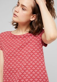 Esprit - TEE - Print T-shirt - dark red - 5