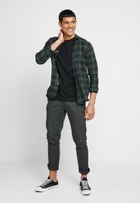 Scotch & Soda - CREW NECK TEE - Basic T-shirt - black - 1